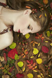 Art und Weiseportrait einer schönen jungen Frau Stockfotos