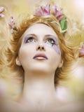 Art und Weiseunschärfenportrait der Schönheitsfrau Lizenzfreie Stockbilder
