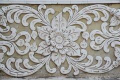 Art Unpainted Cement Sculture tailandese tradizionale Immagini Stock