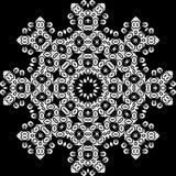 Art White Floral Seamless Symmetric-Muster auf schwarzem Hintergrund Stockbilder