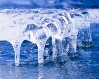 Arte abstracto de hielo natural de la naturaleza congelada de la escultura Imagen de archivo libre de regalías