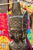 Arte africano en el mercado español Foto de archivo