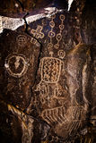 Arte antiguo de la roca del petroglifo del nativo americano Imagen de archivo