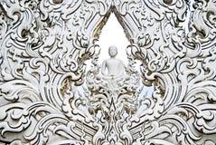 Arte blanco de Buddha en templo Imágenes de archivo libres de regalías