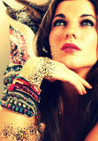 Arte colorido de la pulsera de la mujer Imagen de archivo libre de regalías