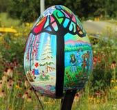 Arte colorido gigante del huevo Imagenes de archivo