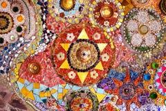 Arte cristalino colorido del fondo en el templo de Phasornkaew Fotos de archivo
