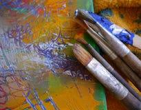 A arte da pintura utiliza ferramentas a pintura criativa imagens de stock royalty free