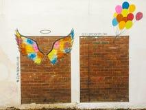 Arte da rua do balão do anjo imagem de stock