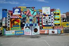 Arte da rua na pele de coelho Art Walls na seção de Coney Island de Brooklyn Fotos de Stock Royalty Free