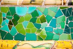 Arte de cerámica en el parque Guell en Barcelona, España Imágenes de archivo libres de regalías