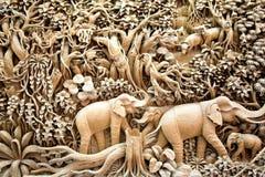 Arte de cinzeladura de madeira de Tailândia Imagem de Stock Royalty Free