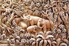 Arte de cinzeladura de madeira de Tailândia Imagem de Stock