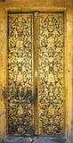 Arte de la puerta del templo en Wat Rakhangkhositraram, Bangkok Fotos de archivo
