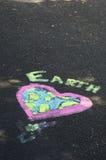Arte de la tiza del Día de la Tierra Foto de archivo libre de regalías