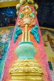 Arte de Lotus en los pilares adornados con la teja esmaltada Fotografía de archivo libre de regalías