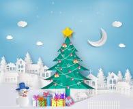 Arte de papel da árvore de Natal na cidade e do boneco de neve com presente BO ilustração royalty free