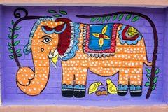 Arte del elefante y de dos birds_Wall para las festividades de los Años Nuevos de Bangla Imágenes de archivo libres de regalías