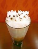Arte del Latte di Kitty 3D su cioccolato ghiacciato Fotografia Stock Libera da Diritti
