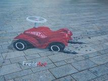 Arte della via che mostra illusione ottica Fotografia Stock Libera da Diritti
