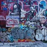 Arte della via dei graffiti nella vicinanza di Wynwood di Miami Immagine Stock