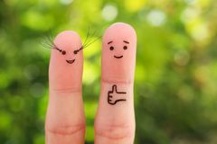 Arte delle dita delle coppie felici cigli lunghi del ` s delle donne fotografie stock libere da diritti