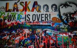 Arte desarrumado dos grafittis Fotos de Stock