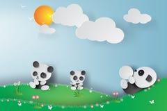 Arte di carta dei panda che giocano nel giardino Immagine Stock