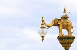 Arte di illuminazione di via, gancio della lampada, astrattismo tailandese dell'angelo Fotografia Stock Libera da Diritti