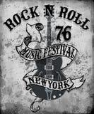 Arte di vettore del T di progettazione grafica della chitarra del manifesto di rock-and-roll royalty illustrazione gratis