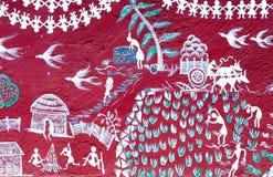 Arte dipinta sulla parete di un tempio di Warli dentro il ` s SGNP di Mumbai fotografia stock libera da diritti