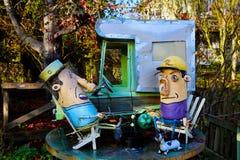 Arte do lixo da arte da sucata dos campistas Imagem de Stock Royalty Free