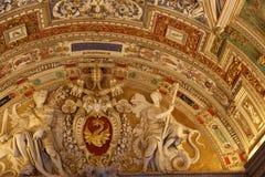 Arte en el techo en el Vaticano Foto de archivo