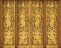 Arte en puerta de los templos del budismo Fotos de archivo