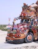 Arte extremamente detalhada e colorida do caminhão em um ônibus foto de stock