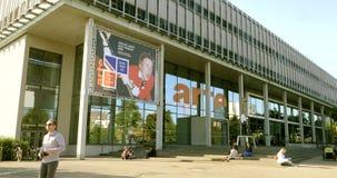 Arte France-het hoofdkwartier van het televisienetwerk stock footage