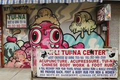 Arte mural de Buff Monster en poca Italia Imagen de archivo