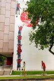 Arte o graffiti della via di Tiong Bahru sulla parete fotografie stock