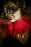 Arte oscuro de la fantasía, mujer sensual con la máscara veneciana, cabaret fotografía de archivo libre de regalías