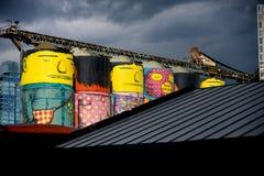 Arte pubblica dipinta sul silos concreto dal brasiliano Artis Immagine Stock Libera da Diritti