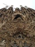 Arte pubblica: Facciata di Gaudi Fotografia Stock Libera da Diritti