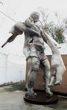 Arte quebrado de la escultura del trabajo de arte dañado fotografía de archivo