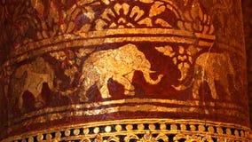 Arte tailandés de la pintura del elefante del oro Foto de archivo libre de regalías