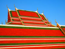 Arte tailandés en iglesia del tejado en el templo tailandés Fotografía de archivo