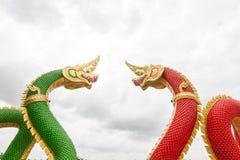 Arte tailandés, estatua de Naka en el templo, Tailandia Fotografía de archivo