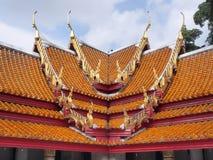 Arte tailandesa do telhado do templo de mármore Foto de Stock