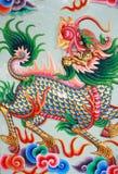 Arte tailandesa tradicional do estilo com dragão dos lombos Fotos de Stock Royalty Free