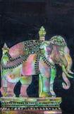 Arte tailandese dell'elefante fatta dalla perla sulla parete del granito Fotografie Stock