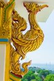 Arte tailandese della statua dorata del cigno Fotografia Stock