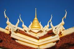 Arte tailandese sulla chiesa del tetto Fotografie Stock